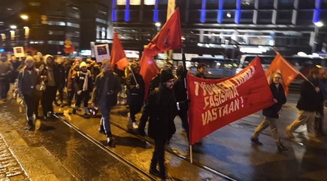 Punainen blokki marssi fasismia vastaan